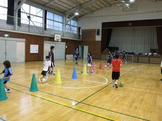 004 2011.5.29(日) 雨練(あざみ野第一小体育館) 004.jpg