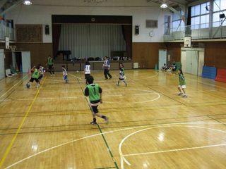 011 2011.5.29(日) 雨練(あざみ野第一小体育館) 014.jpg