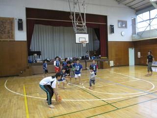2011.10.30(日) 通常練習 inあざみ野第一小体育館 019.jpg
