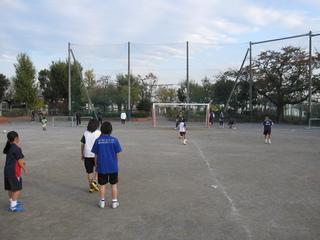 2011.11.23(水・祝) 通常練習 inあざみ野第一小G 024.jpg