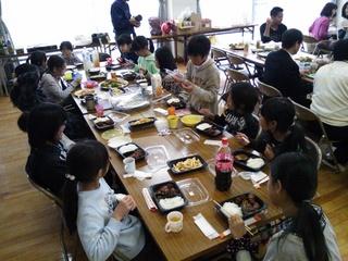 2013.3.31(日) 02 卒団式 あざみ野自治会館.JPG